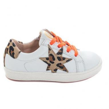 Chaussures blanches avec des touches d'imprimé léopard pour enfants de la marque Acebos au meilleur prix