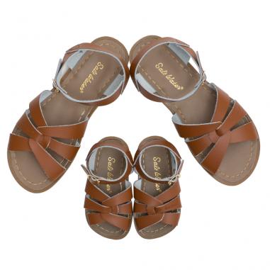 Sublime paire de sandales de couleur camel pour enfants et femmes de la marque Salt-Water au meilleur prix