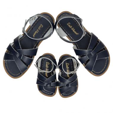 Magnifiques sandales de couleur marine confortables et waterproof pour enfants et femmes de la marque Salt-Water