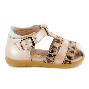 Jolie paire de sandales pour bébés de couleur rose léopard de la marque Stones and Bones