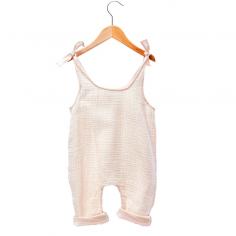 Barboteuse légère de couleur rose poudré spécialement pour les bébés de la marque Les petites choses
