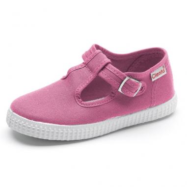 Très belle paire de chaussures en coton organique pour enfants de couleur rose signées Cienta