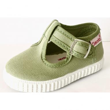 Superbe chaussures en toile de couleur verte unie pour enfants de la marque Cienta