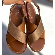 Jolie paire de sandales de couleur or et camel pour enfants et femmes de l'atelier tropezien au meilleur prix