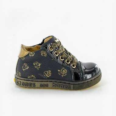 Chaussures petites roses pour enfants de la marque Stones and Bones