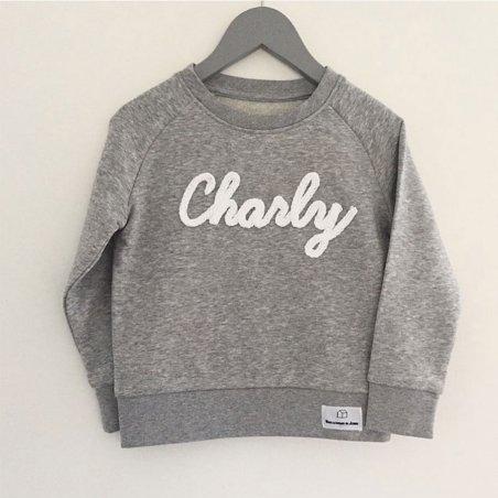 Sweatshirt personnalisé pour enfants de la marque Dans la cabane de Jeanne