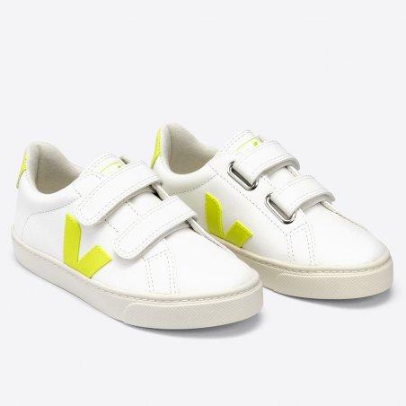 Sneakers jaune fluo pour enfants de la marque Veja