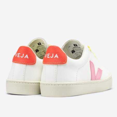 Sneakers Veja pour enfants de couleur guimauve
