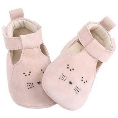 Chaussons chat de couleur rose poudré pour bébés de la marque Emile et Ida