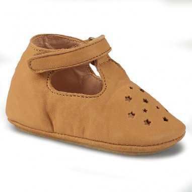 Chaussons antidérapants lillop de couleur camel pour enfants de la marque Easy Peasy