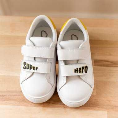 Sneakers edith mini super héro pour enfants de la marque Bons Baisers de Paname