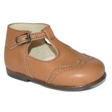 Chaussures babies camel pour enfants de la marque Little Mary