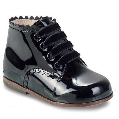 Chaussures vernis noir pour enfants de la marque Little Mary