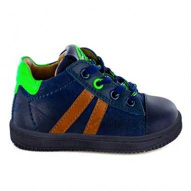Chaussures marine et vert fluo pour enfants de la marque Stones and Bones