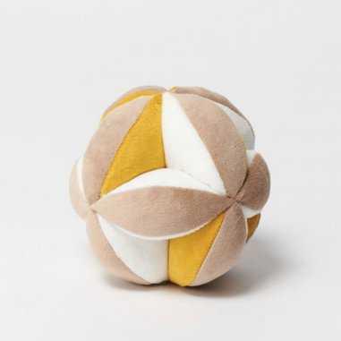 Balle Montessori marron pour bébés de la marque Elva Senses