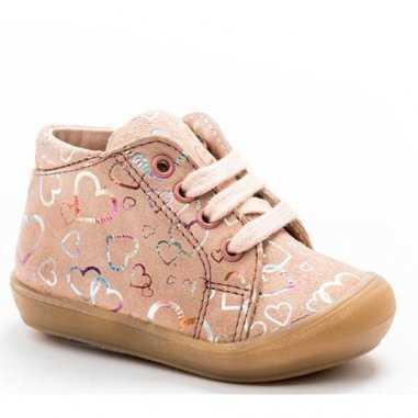 Chaussures premiers pas coeurs rose pour enfants de la marque Acebos