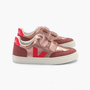 Sneakers basses rose fluo de la marque veja pour enfants sont disponibles sur Petites Fripouilles