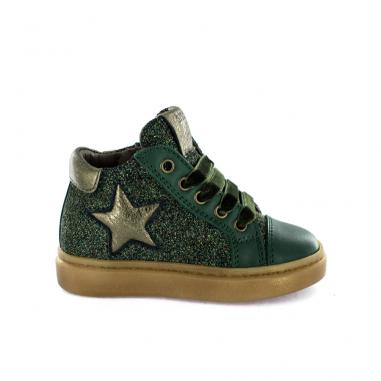 Les nouvelles chaussures pour petites filles de la marque Stones and Bones pour affronter le froid cet hiver