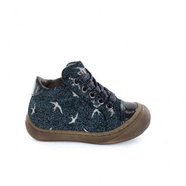Chaussures pour enfants Stones and Bones conçues pour l'apprentissage de la marche à petit prix
