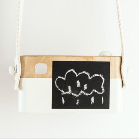 Appareil photo en bois idéal pour faire un cadeau original à un enfant